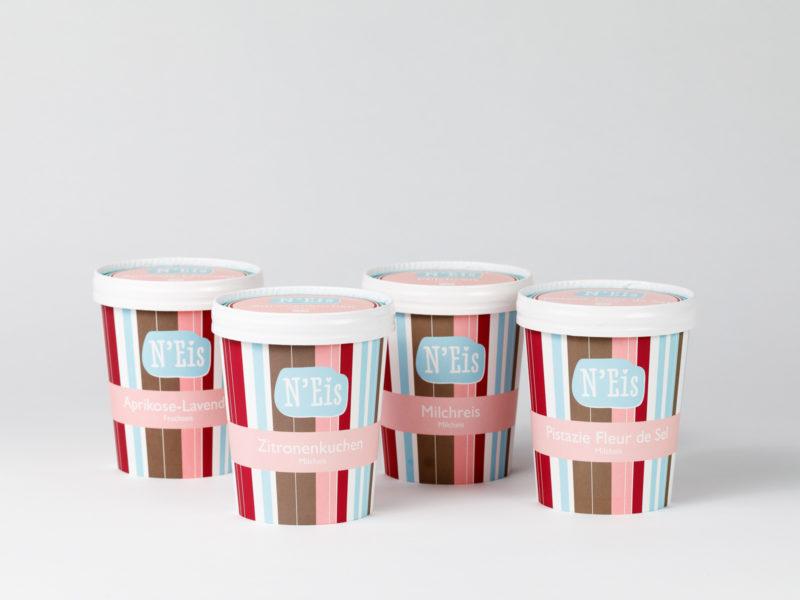 Stelle Dir in unserem Lieferservice 4 Eisbecher nach Wahl zusammen