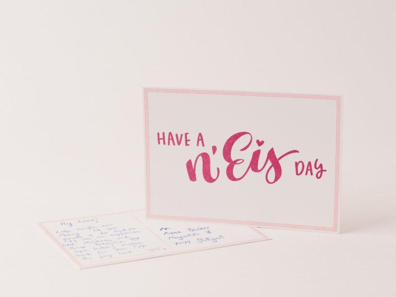 """Postkarte mit """"Have a N'Eis day""""-Aufrdruck - Ein Produkt aus dem Webshop von N'Eis - Das Neustadteis"""